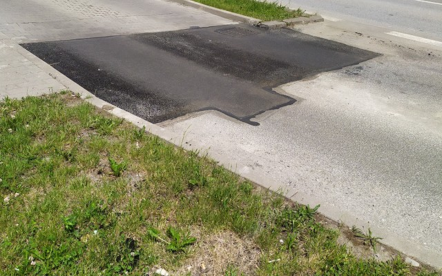 AGS-_asfaltovanie_malých_ploch_a_zalievkou_1.jpg