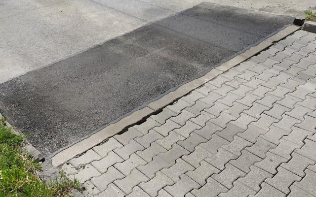 AGS-_asfaltovanie_malých_ploch_a_zalievkou_4.jpg